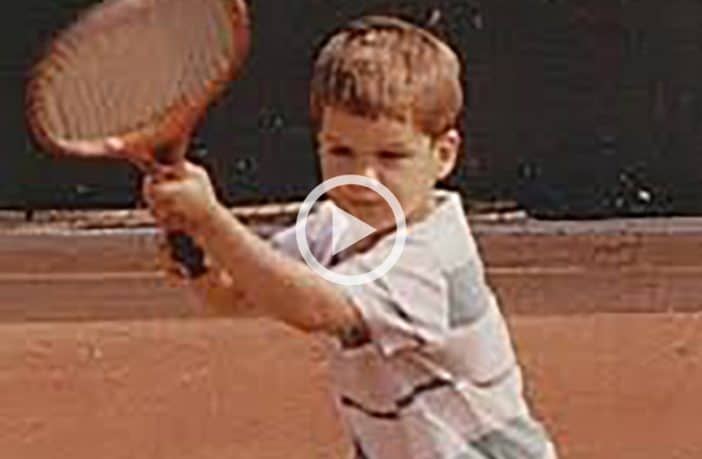 Roger Federer bambino in campo - Video