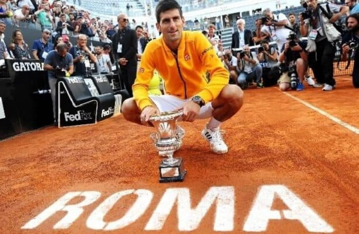 """""""Cara Italia, non sei sola"""". Il messaggio di Novak Djokovic"""