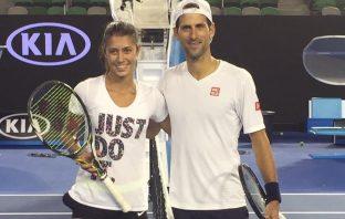 Olga Danilovic difende Novak Djokovic