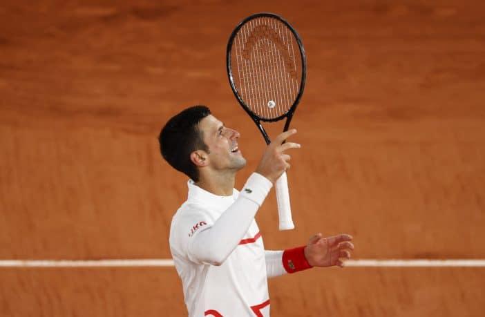 Djokovic dice no ai giudici di linea