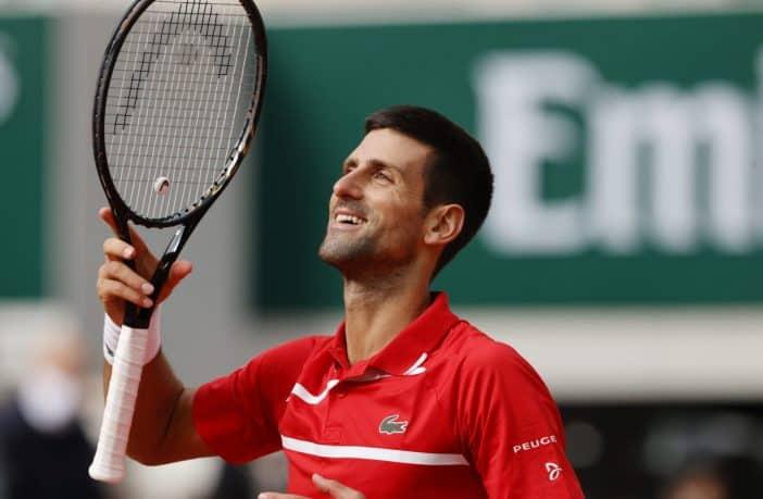 Djokovic batte Tsitsipas e va in finale al Roland Garros