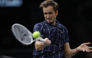 Atp Finals: Medvedev batte ancora Zverev, in un match disordinato e giocato male da entrambi