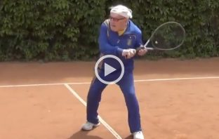 Leonid, a 96 anni leggenda del tennis