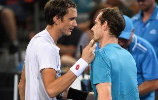 Murray si schiera con Medvedev e il suo servizio da sotto