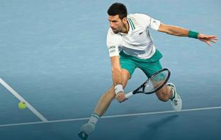 Djokovic supera uno Zverev sprecone: è semifinale