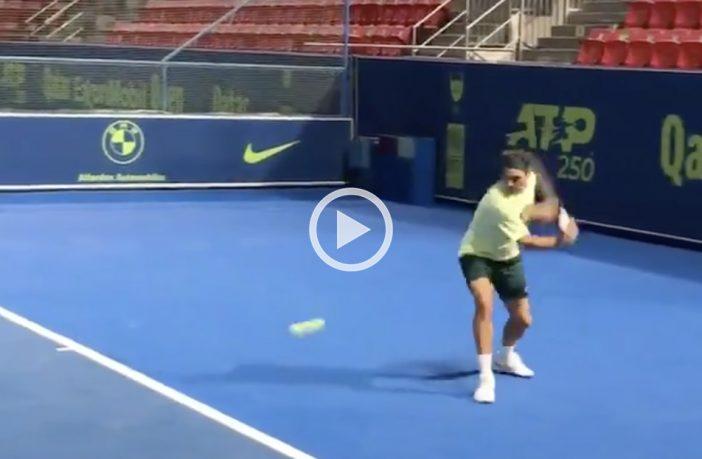 Federer si allena a Doha, le prime immagini
