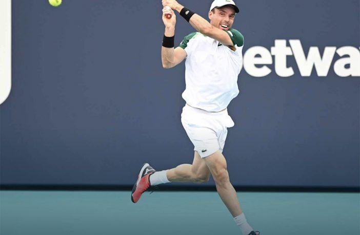 Bautista Agut batte Medvedev e sfida Sinner in semifinale a Miami