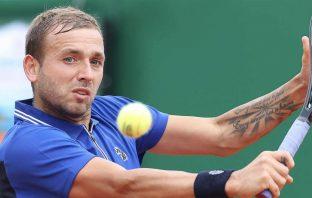 Evans batte Djokovic a Montecarlo