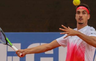 Sonego trionfa a Cagliari ed entra in top-30