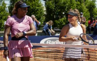 """Gli obiettivi e i sogni della """"stellina"""" del tennis italiano: a tu per tu con Lisa Pigato"""