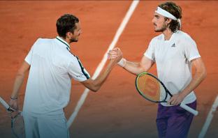 """Medvedev agli addetti ai lavori del Roland Garros: """"C'è il coprifuoco, andate via"""""""