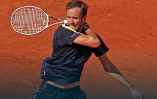 """Medvedev duro con il Roland Garros: """"Preferiscono Amazon alle persone"""""""