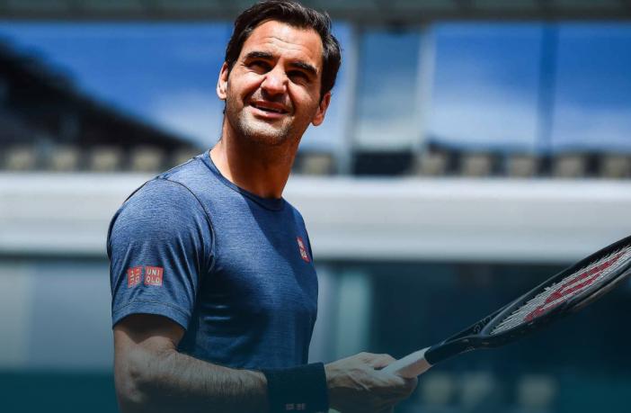Il momento più imbarazzante della carriera di Federer a Wimbledon (VIDEO)