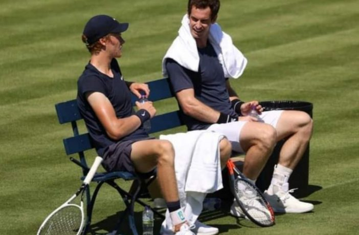 Jannik Sinner e Andy Murray al Queen's