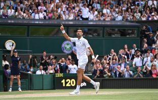 Djokovic batte un grande Berrettini in quattro set