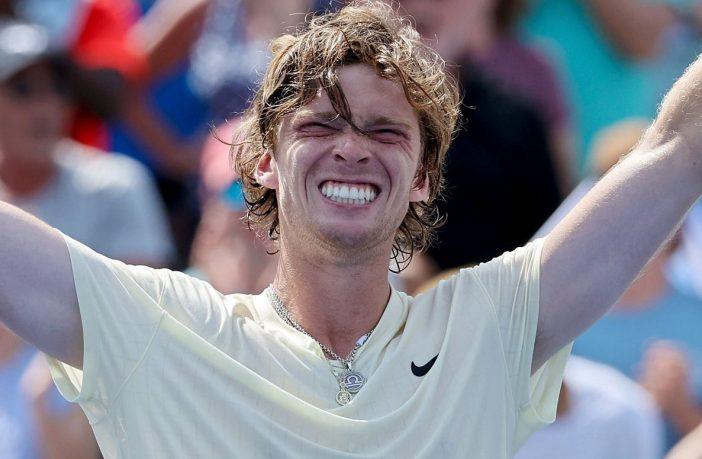 Andrey Rublev in finale a Cincinnati