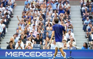 Daniil Medvedev infrange il sogno di Novak Djokovic