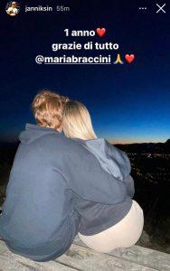 Sinner-Braccini, la coppia festeggia un anno